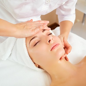 FACIAL SKIN TREATMENT